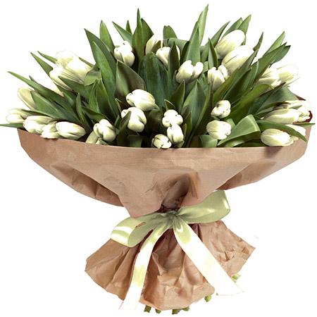 101 белый тюльпан в крафте