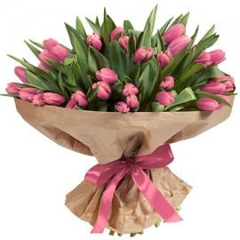 101 розовый тюльпан в крафте