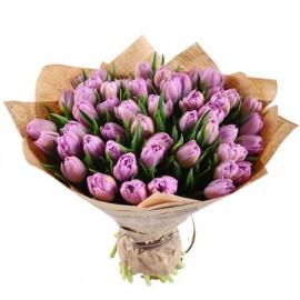51 розовый тюльпан в крафте